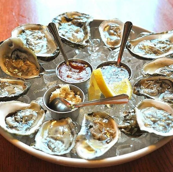 Fresh Oysters at PJ Lobster House